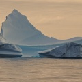 Pinnacle iceberg / Iceberg en pinacle